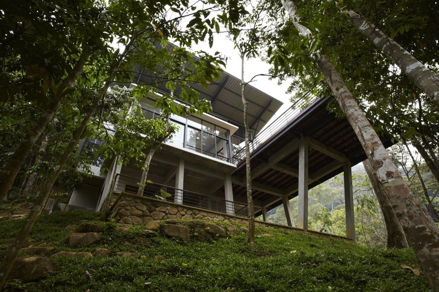 The Deck House by Choo Gim Wah Architect | KARMATRENDZ