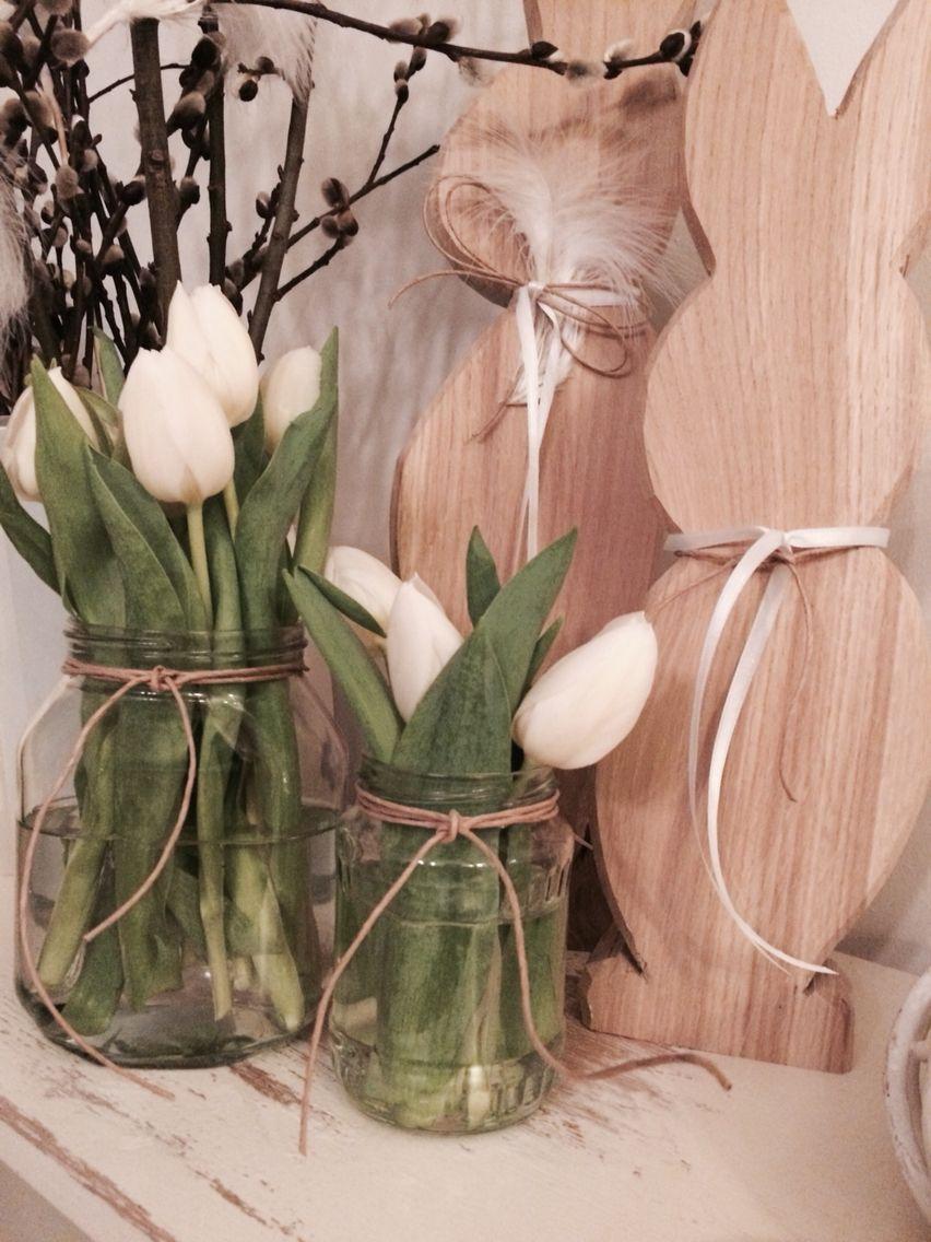 selbst gemachte osterhasen aus holz der fr hling ist da tulpen palmk tzchen osterstrauch. Black Bedroom Furniture Sets. Home Design Ideas
