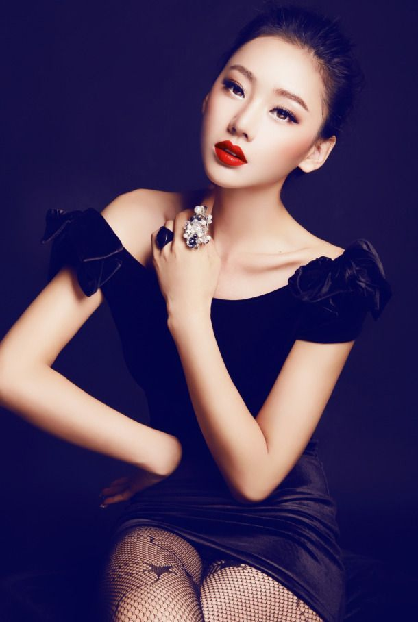 Han Zi Xuan 韩子萱 http://chinese-sirens.com   Chinese Sirens