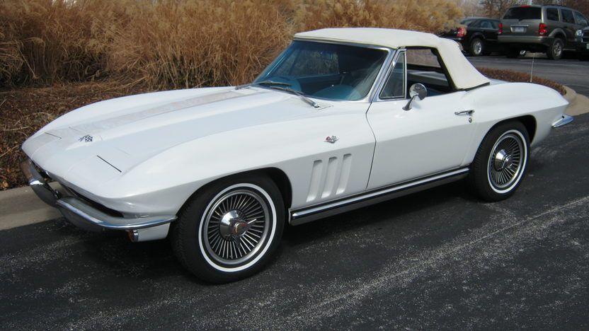 1965 Chevrolet Corvette Convertible 327/300 HP, 4Speed