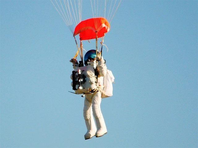 Stabilito Il Nuovo Record Di Lancio Col Paracadute Il Vice