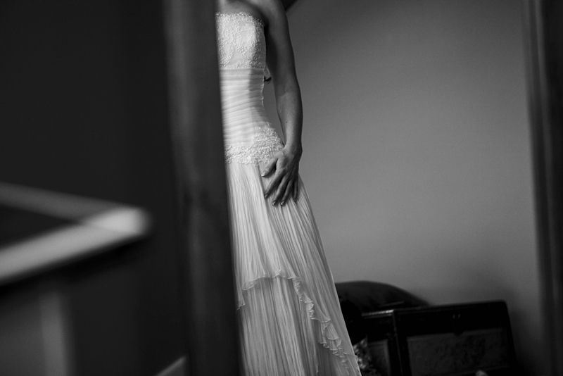 Getting Ready // Bride. Wedding. Dress. // Photography by Vanilla Images