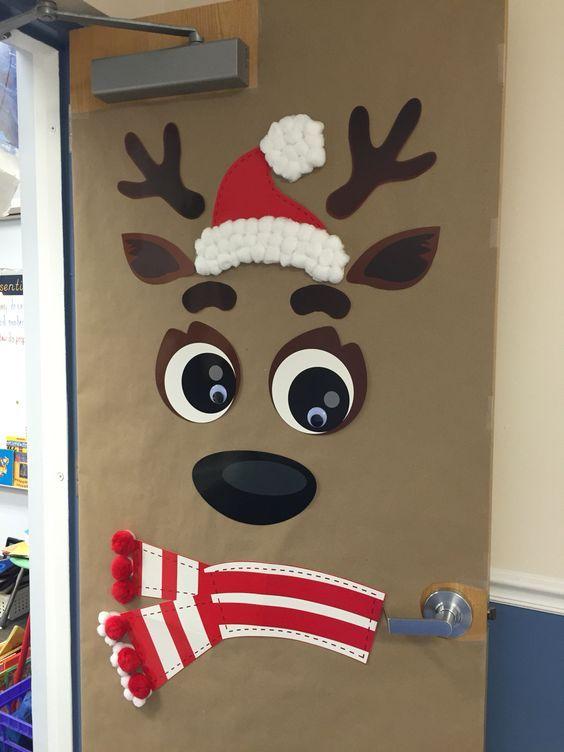 How to Make Super Easy Christmas Decorations on a Budget - Snowmen Doors #christmasdoordecorationsforwork