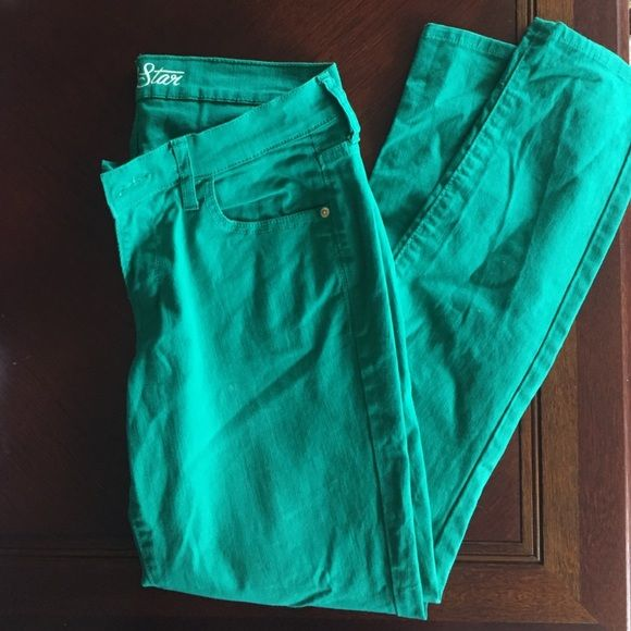 Green Old Navy Pants Size 10 Super cute!! Only worn once! Old Navy Pants Skinny
