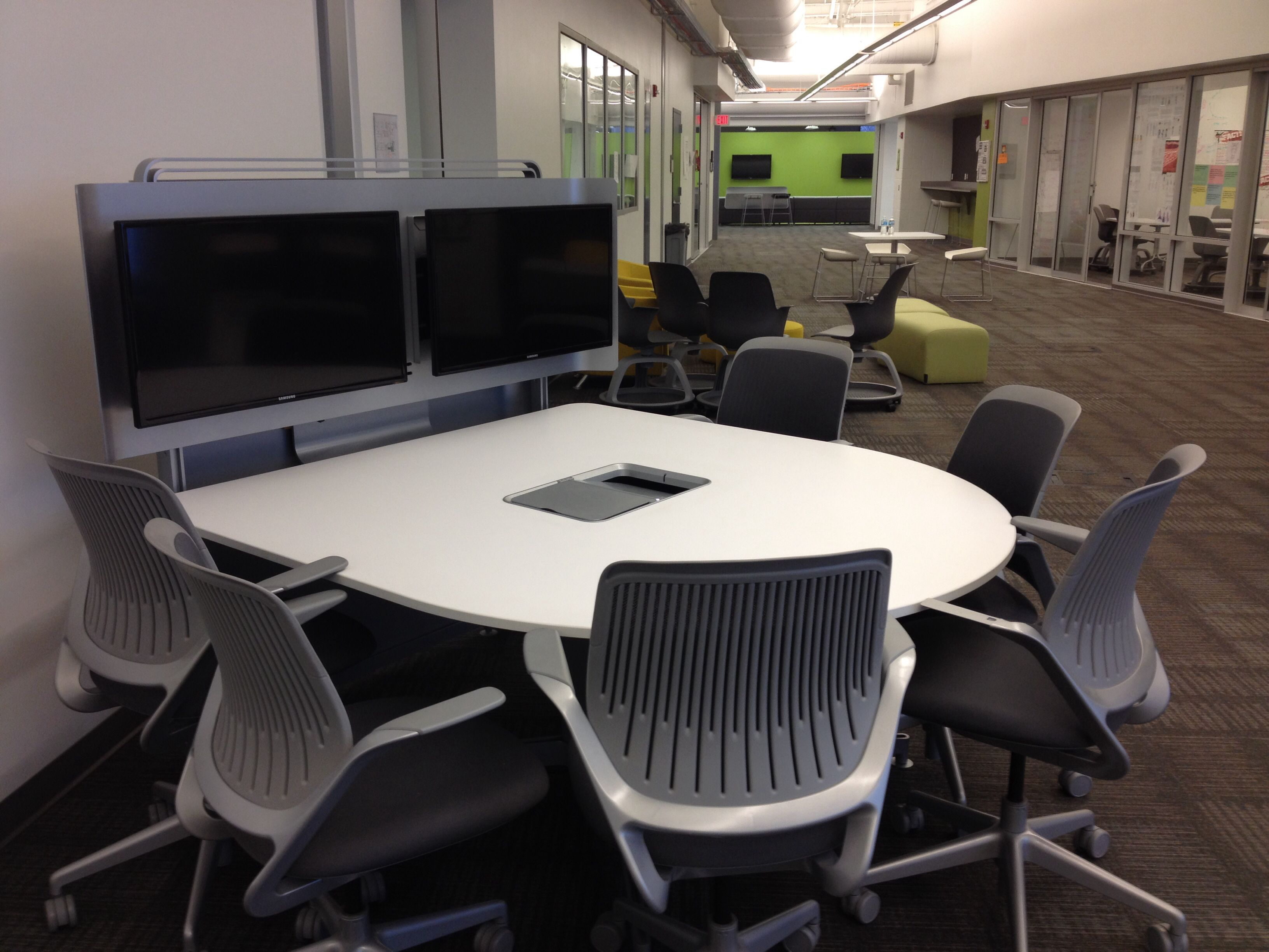 Innovative Classroom Seating Arrangements ~ Kent innovation high school collaboration center