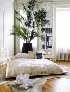 Bett selber bauen für ein individuelles Schlafzimmer-Design_diy bett aus holzplatte auf rollen