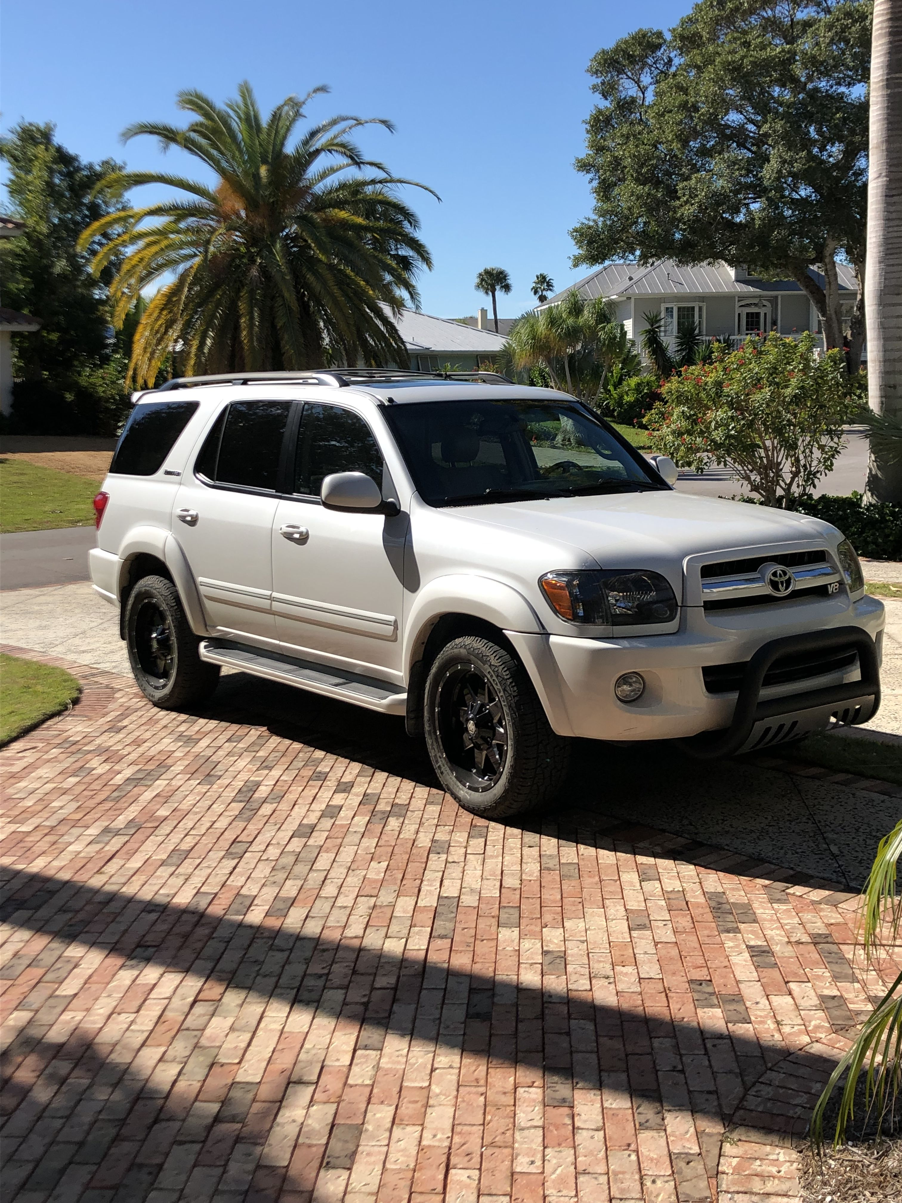 2005 Toyota Sequoia Limited Four Wheel Drive 4 7 L V 8 Customized With A Bull Bar 20 Inch Rims And Black Headlights Black Headlights Sequoia 20 Inch Rims