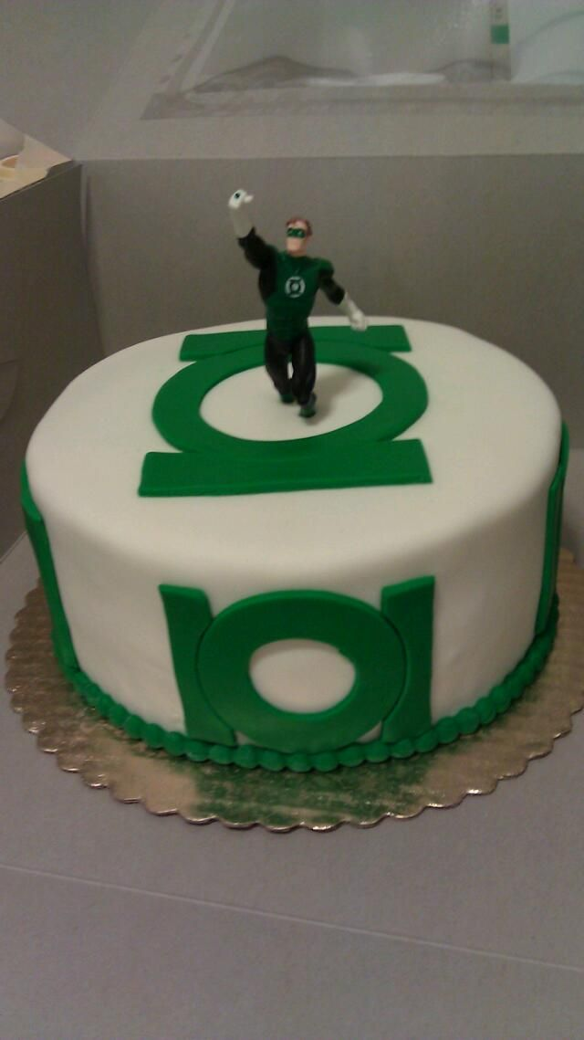 Green Lantern Cake Decorating Kit : Marvel Birthday Cake Ideas on Pinterest Green Lantern ...