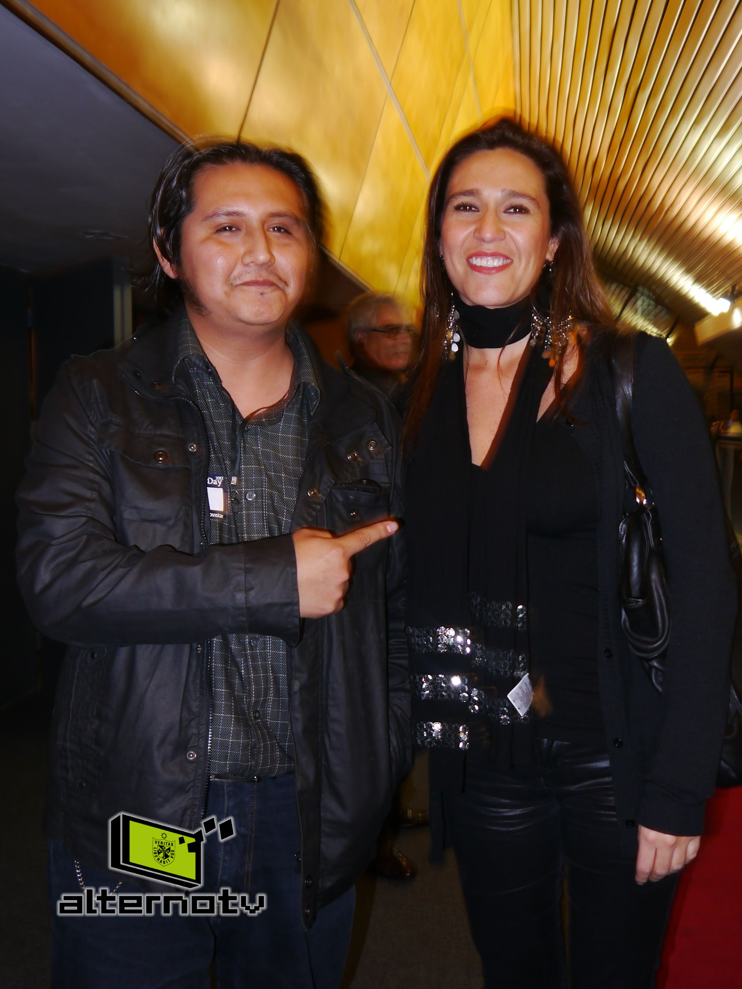 Heber Montesinos y la ganadora en lacategoría blog personal, Verónica Linares (http://www.lalinares.com/)