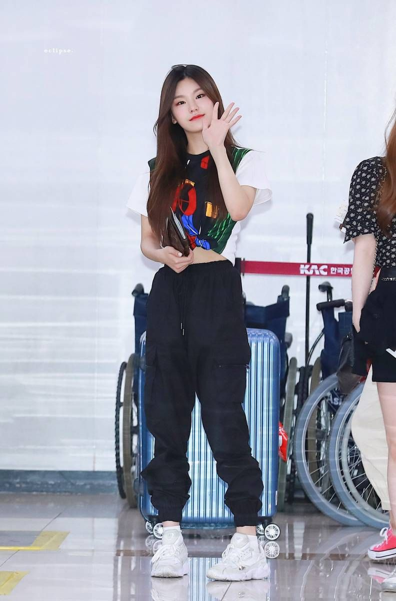 190517 ITZY Yeji. #kpopfashion