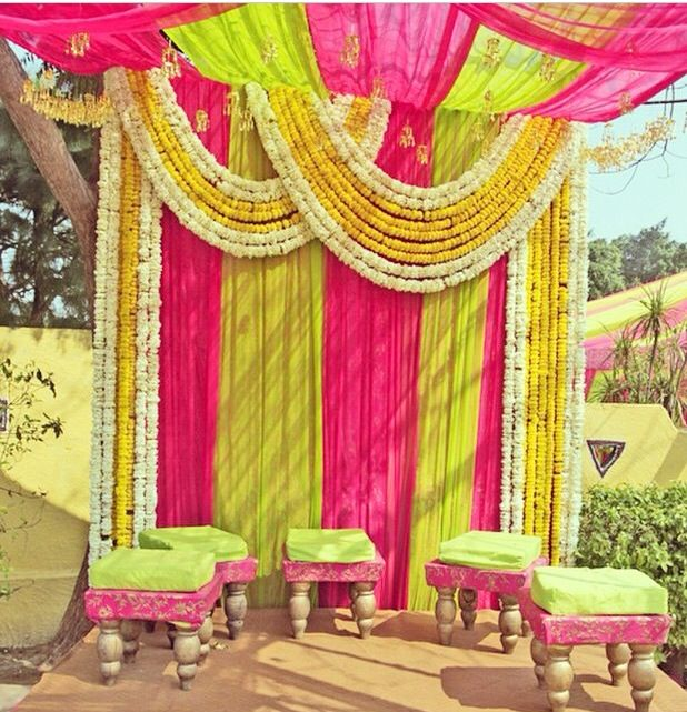 Modern Wedding Backdrop Ideas: Beautiful Ubtan Decor! #pakistani #weddings