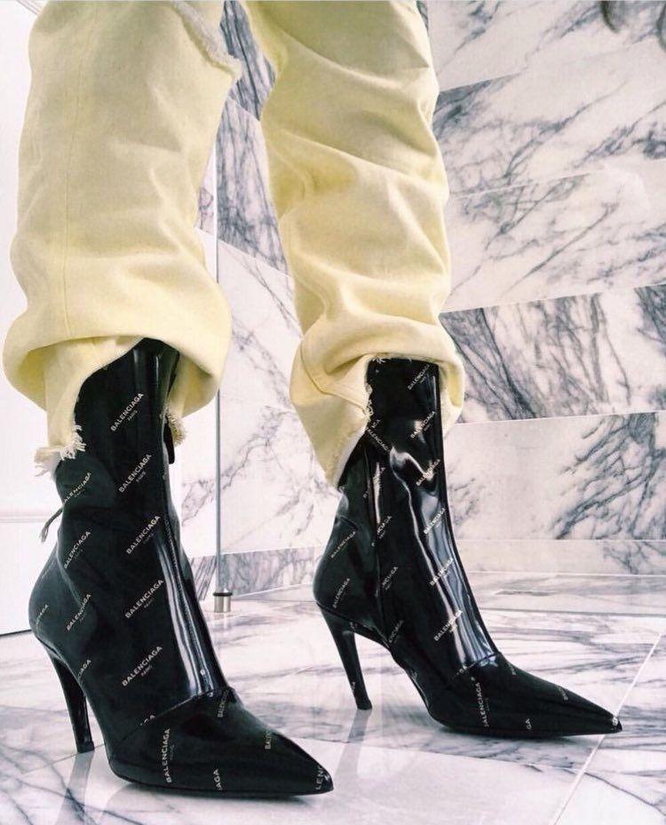 iconic fashion on | Wysokie obcasy, Moda, Obuwie