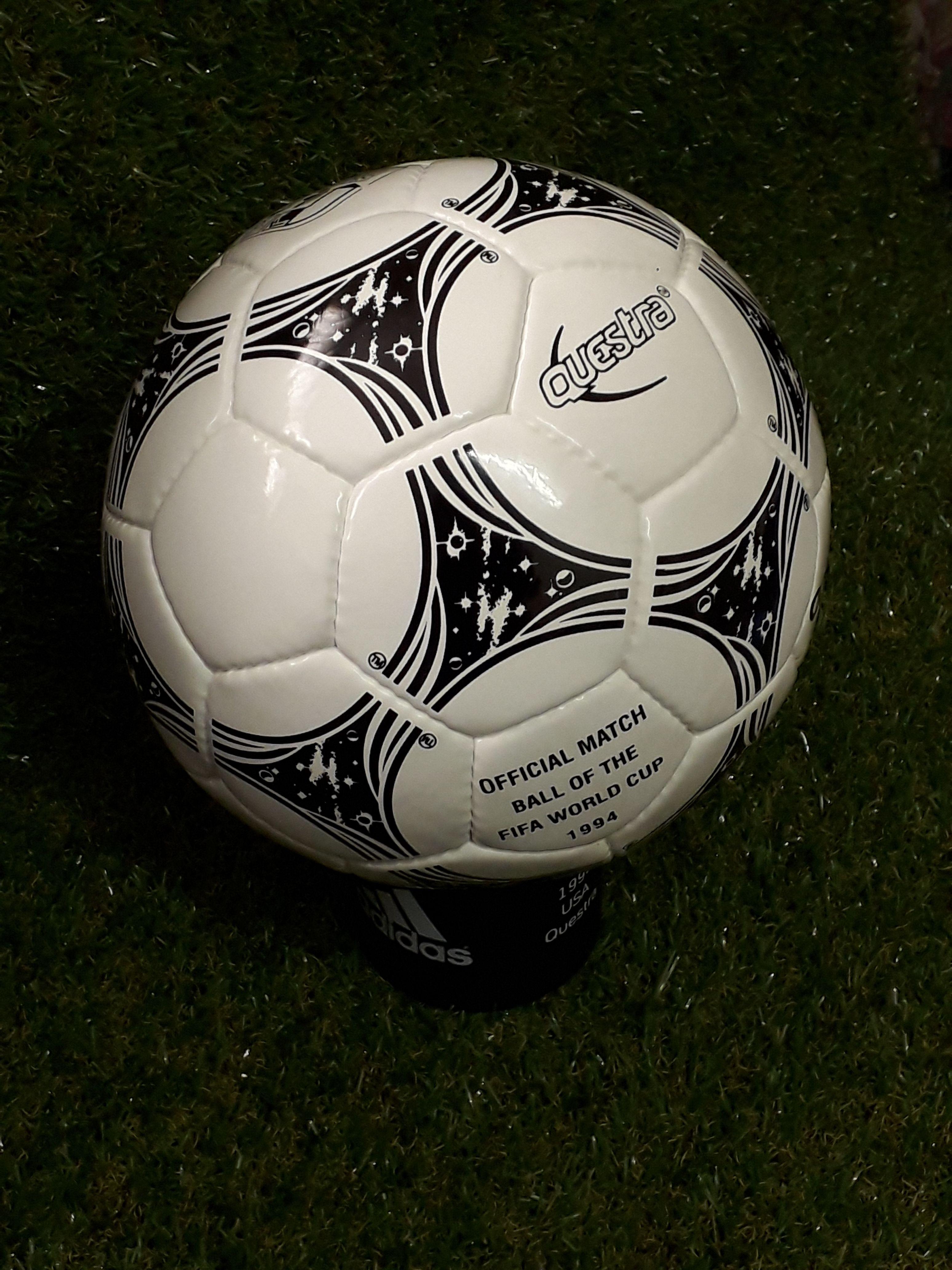 corazón perdido formar bolso  Adidas Questra 1994 | Soccer ball, World cup, Soccer