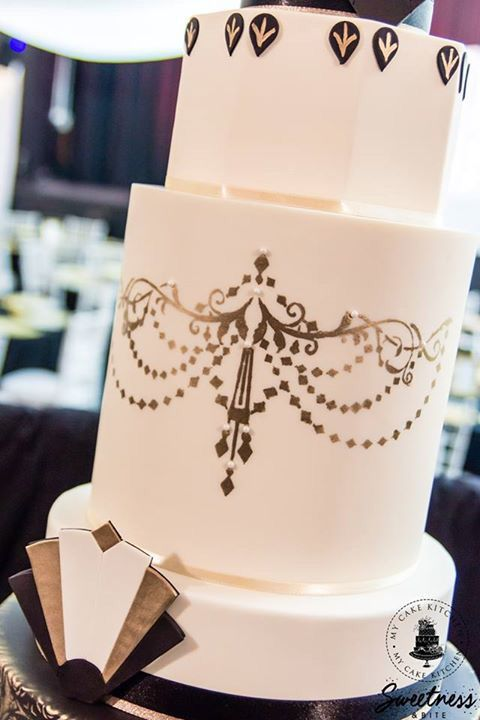 Art Deco Wedding Cake Chandelier Stencil In Gold