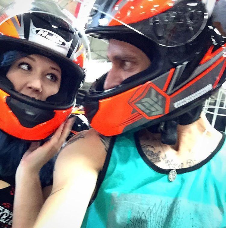いいね!26件、コメント2件 ― Siera Elizabethさん(@sieraelizabethh)のInstagramアカウント: 「60 mph go kart racing?! Hell yeah!!! #gokart #needforspeed #highvoltage #letsride」