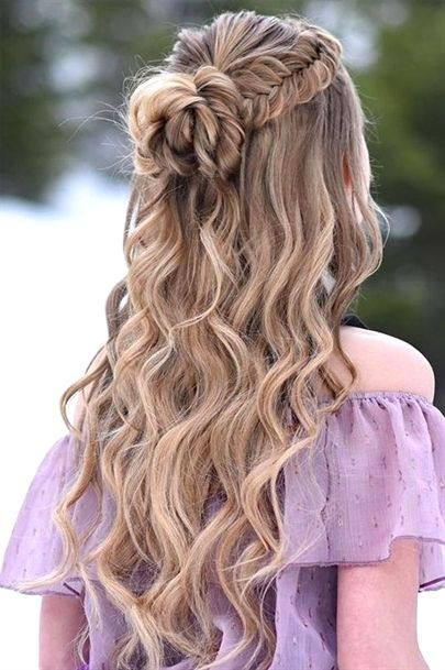 Most Demanded Half Up Half Down Long Wavy Prom Hairstyles To Mesmerize Anyone Promhairstyles Hair Styles Dance Hairstyles Wedding Hair Down