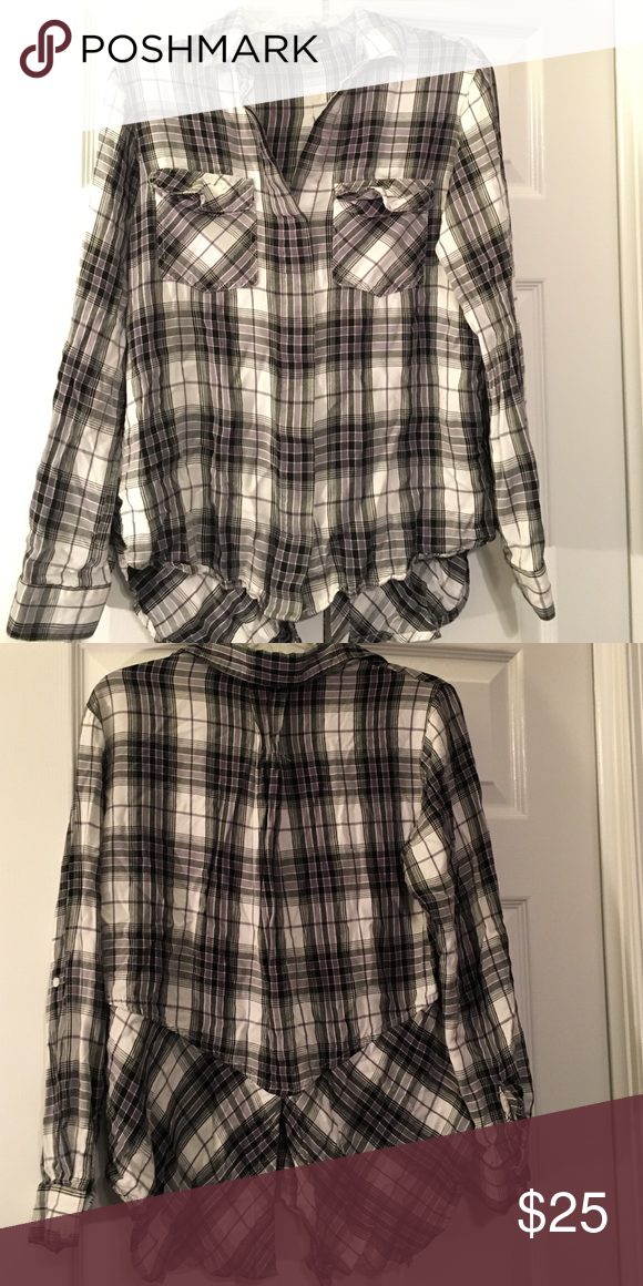 Sam Edelman black and white plaid button down Plaid is super in this season! Great split back detail. 100% rayon. 25 inches long in front. Sam Edelman Tops Button Down Shirts