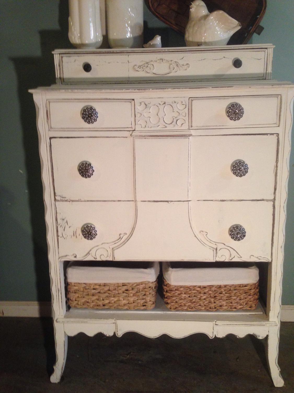 For Sale  Refinished antique dresser chest   Refinished antique  dresser chest pretty shabby chic. Refinished antique dresser chest   Dresser  Annie sloan chalk
