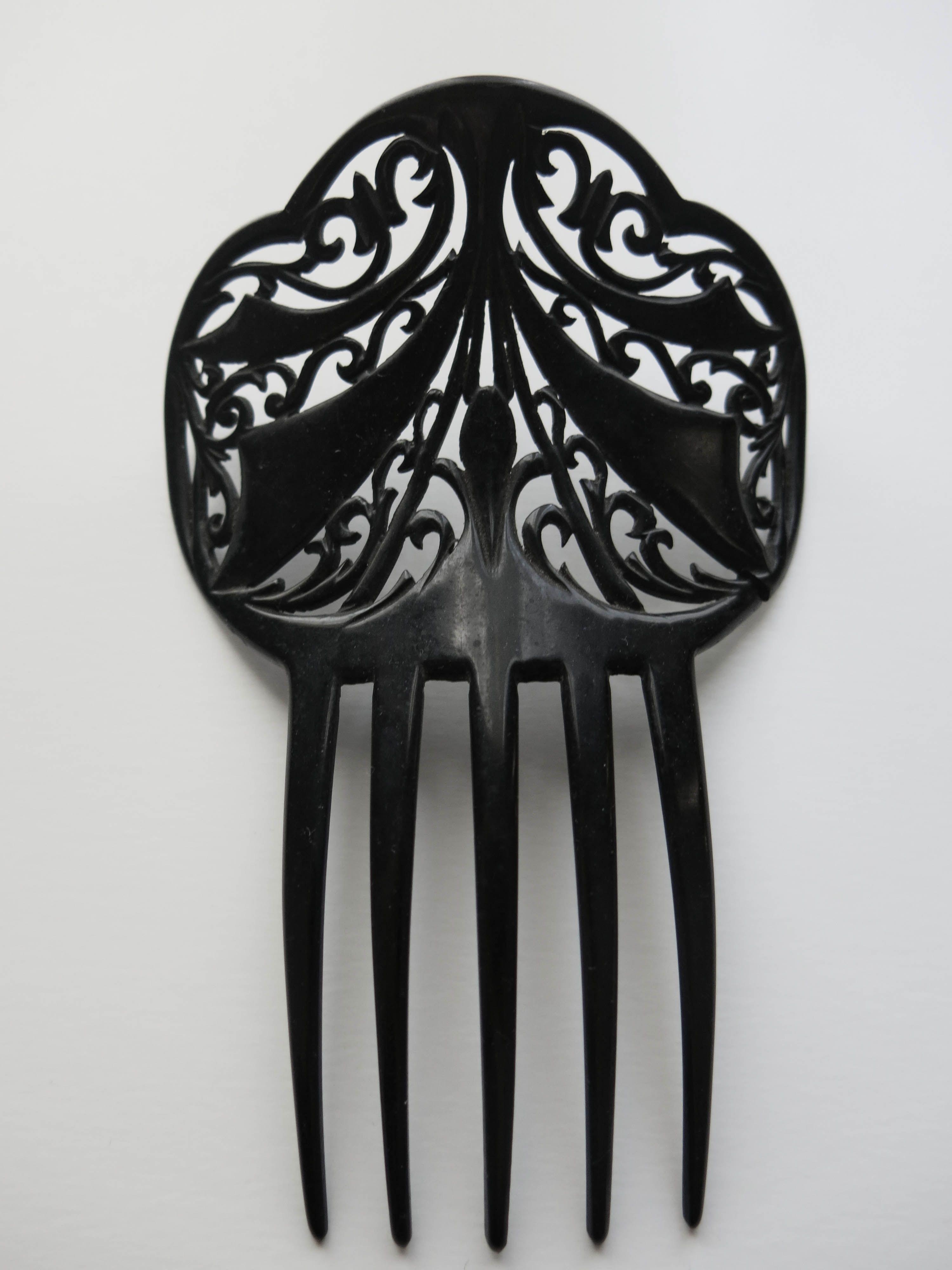 Antigua peina de celuloide negro tallado. #Feria #Flamenca ...