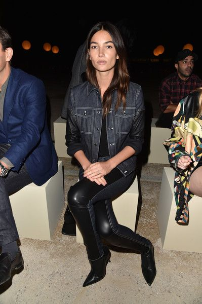 Lily Aldridge Photos Photos - Lily Aldridge attends the Givenchy show as part of the Paris Fashion Week Womenswear  Spring/Summer 2017  on October 2, 2016 in Paris, France. - Givenchy : Front Row - Paris Fashion Week Womenswear Spring/Summer 2017