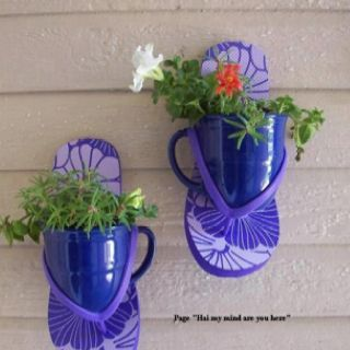 2d3c6f196 I love this flip flop plant container idea! Just nail the flip flops to the  fence and use coordinating color solo cups as the plant containers.