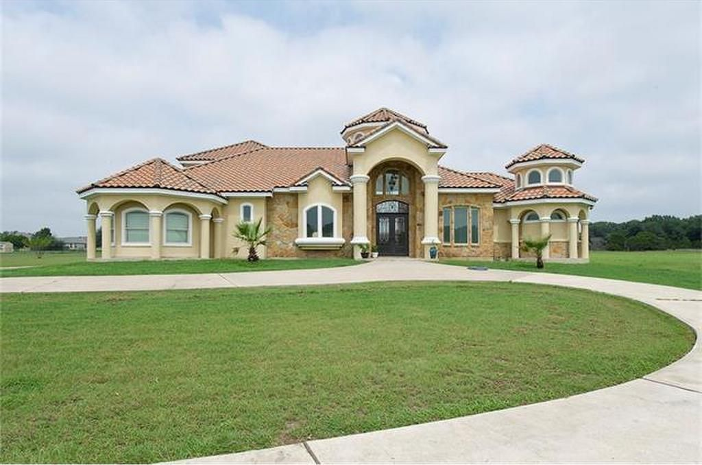Looking to move to the Austin, Texas area? Check out this home in Georgetown - 106 Waterford Lane. The owners along with listing agent Mike Canfield, have decided to donate 15% of Mike's commission to the Travis County Sheriff's Law Enforcement Association as part of our #ListForLeo campaign! Visit the link for more information about the home.  List or buy a home on Open House For Heroes and give back to a cause you care about!