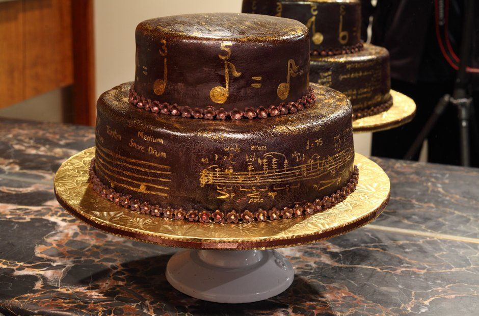 Classical cakes the best musicthemed bakes Cakes Pinterest