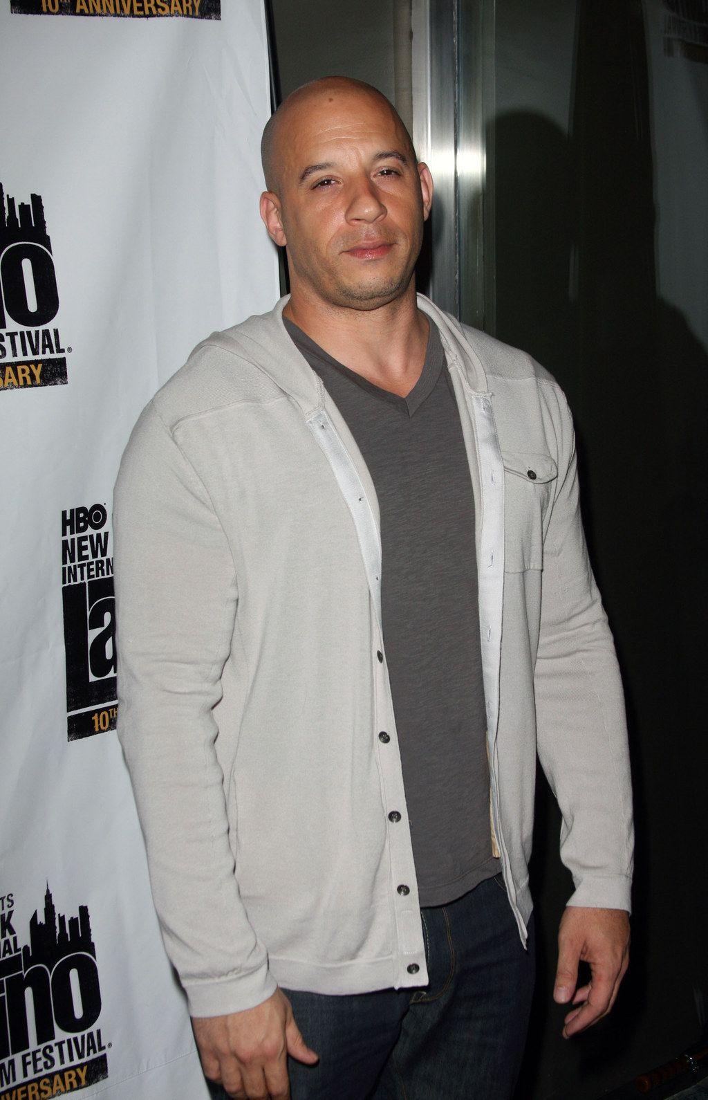 35 Reasons Why Vin Diesel Is The Sexiest Being To Ever Walk This Earth Vin Diesel Vin Diesel Wife Diesel