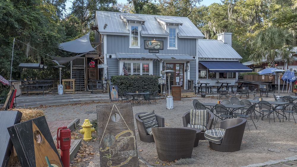 Old Town Dispensary Calhoun St Bluffton Sc Dining In