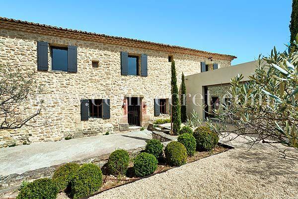 Location saisonnière en Provence, à Mazan, avec Coins Secrets  mas - location saisonniere avec piscine privee
