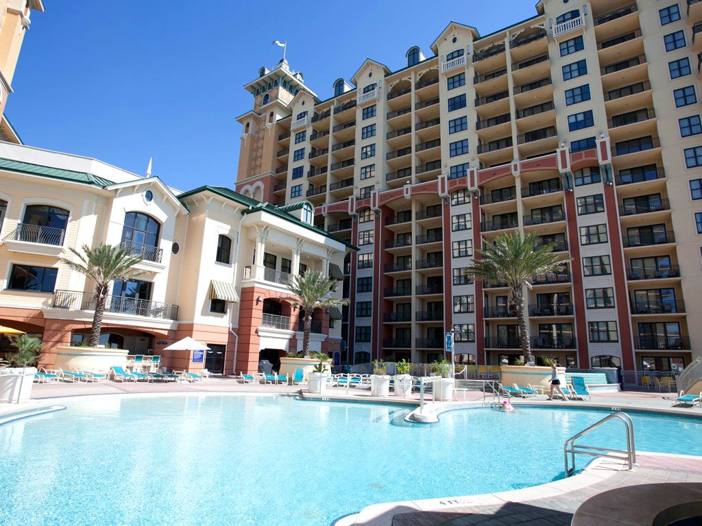 Emerald Grande At Harborwalk Village Destin Discover Florida S Coast Travelchannel