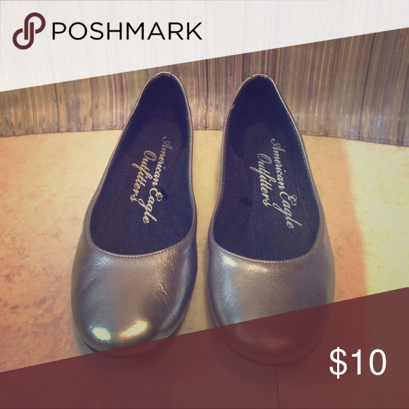 American Eagle Flats Silver, no scuffs or tears, perfect for day to night wear! American Eagle Outfitters Shoes Flats & Loafers