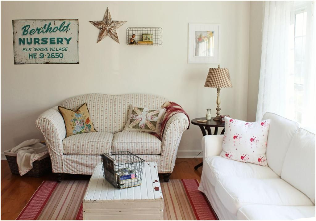 8 Animated Chic Living Room Furniture Pics