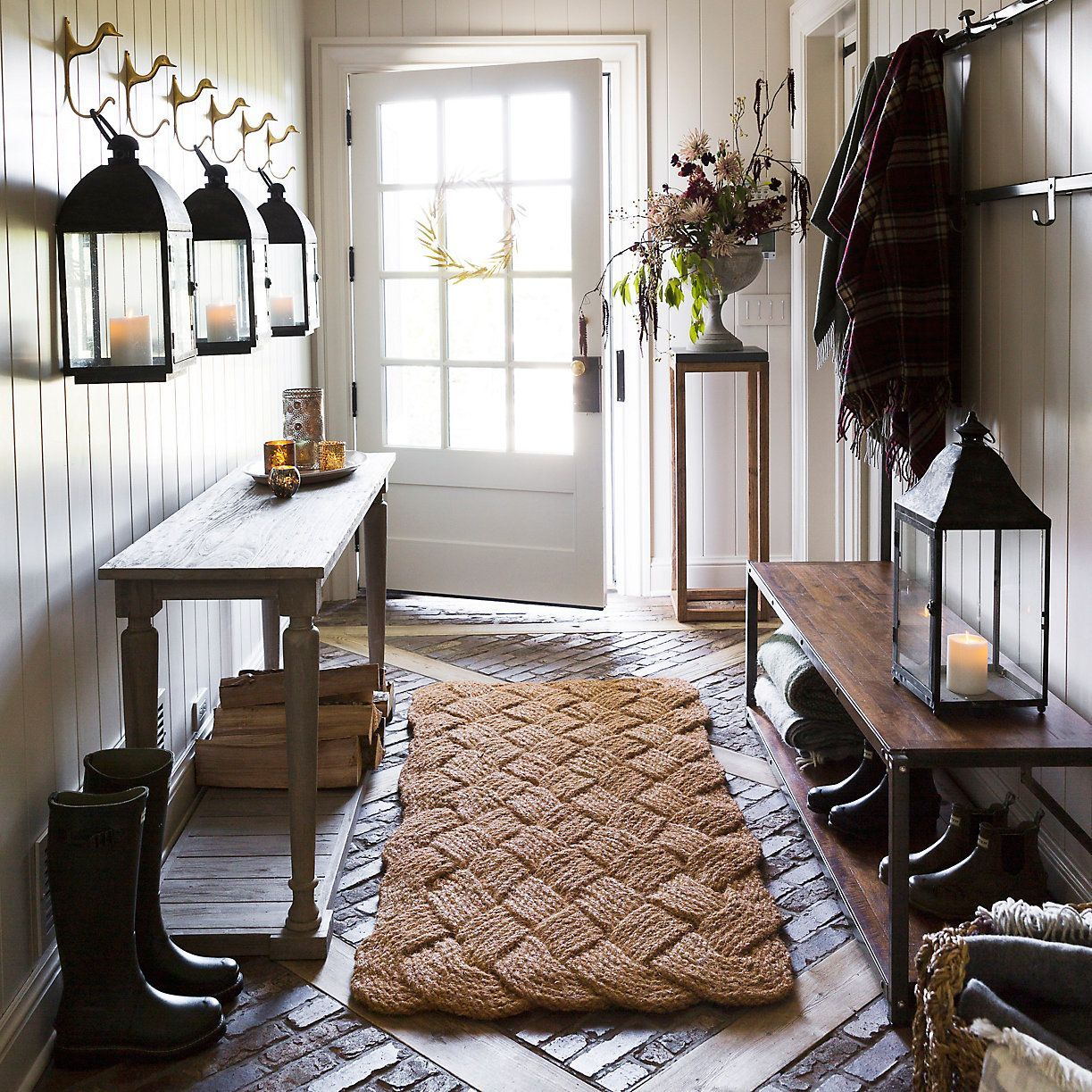 21 Cool Front Door Designs For Houses: Modern Farmhouse Decor, Rustic