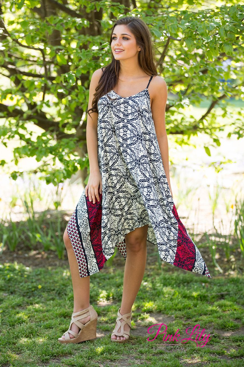 This We Are Tonight Dress is just to die for! The print is absolutely adorable and the flowy look will have you feeling your best!