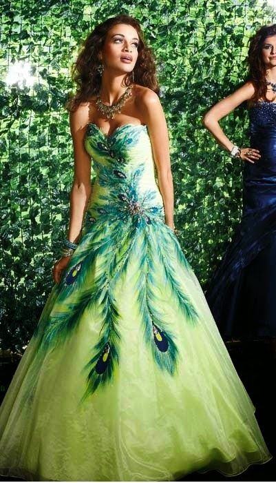 Make Your Wedding Ceremony A Unique One With The Peacock Theme Party Wedding Dress Party Http Simple Peacock Wedding Dresses Peacock Dress Prom Dress 2012