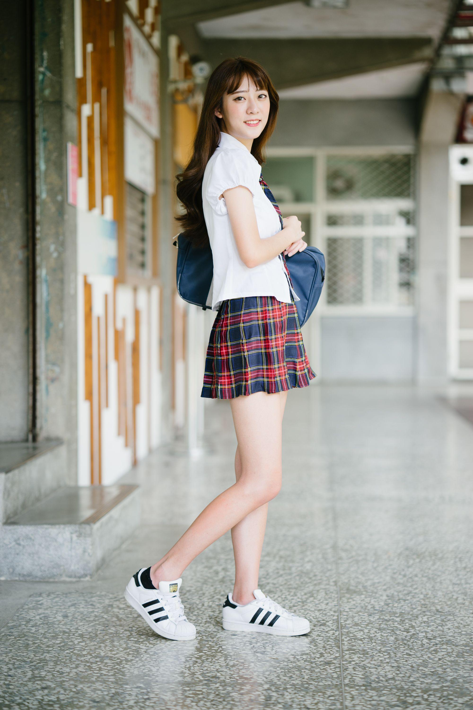 Giels nude japanese beauties in school uniforms men and