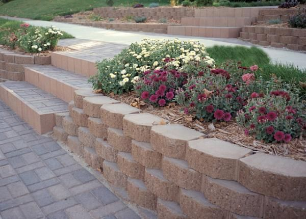 Steps And Wall Garden Retaining Wall Landscaping Retaining Walls Retaining Wall Blocks