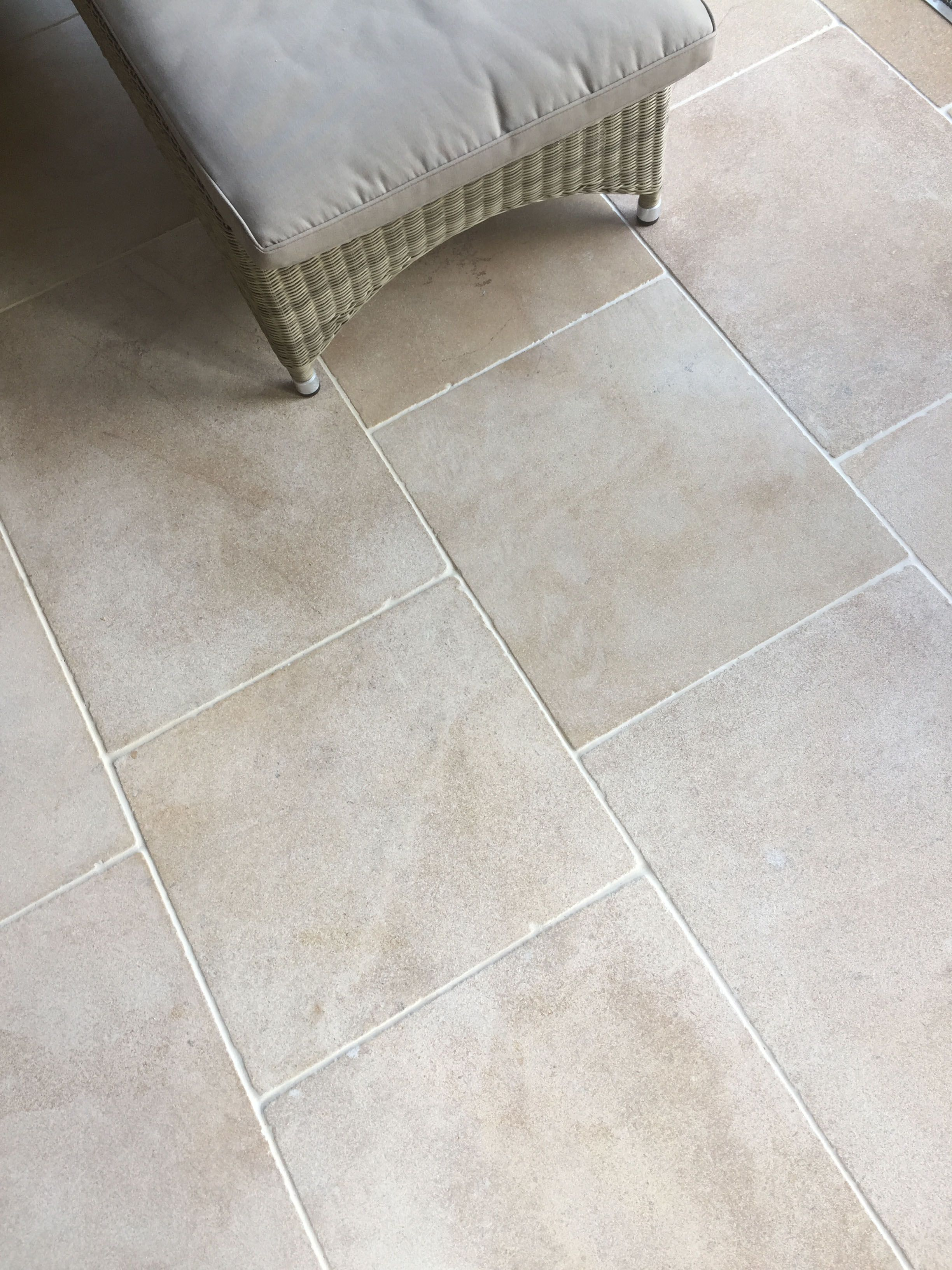 Cotswold cream limestone tile is the perfect kitchen flagstone and cotswold cream limestone tile is the perfect kitchen flagstone and a great stone for underfloor heating dailygadgetfo Gallery