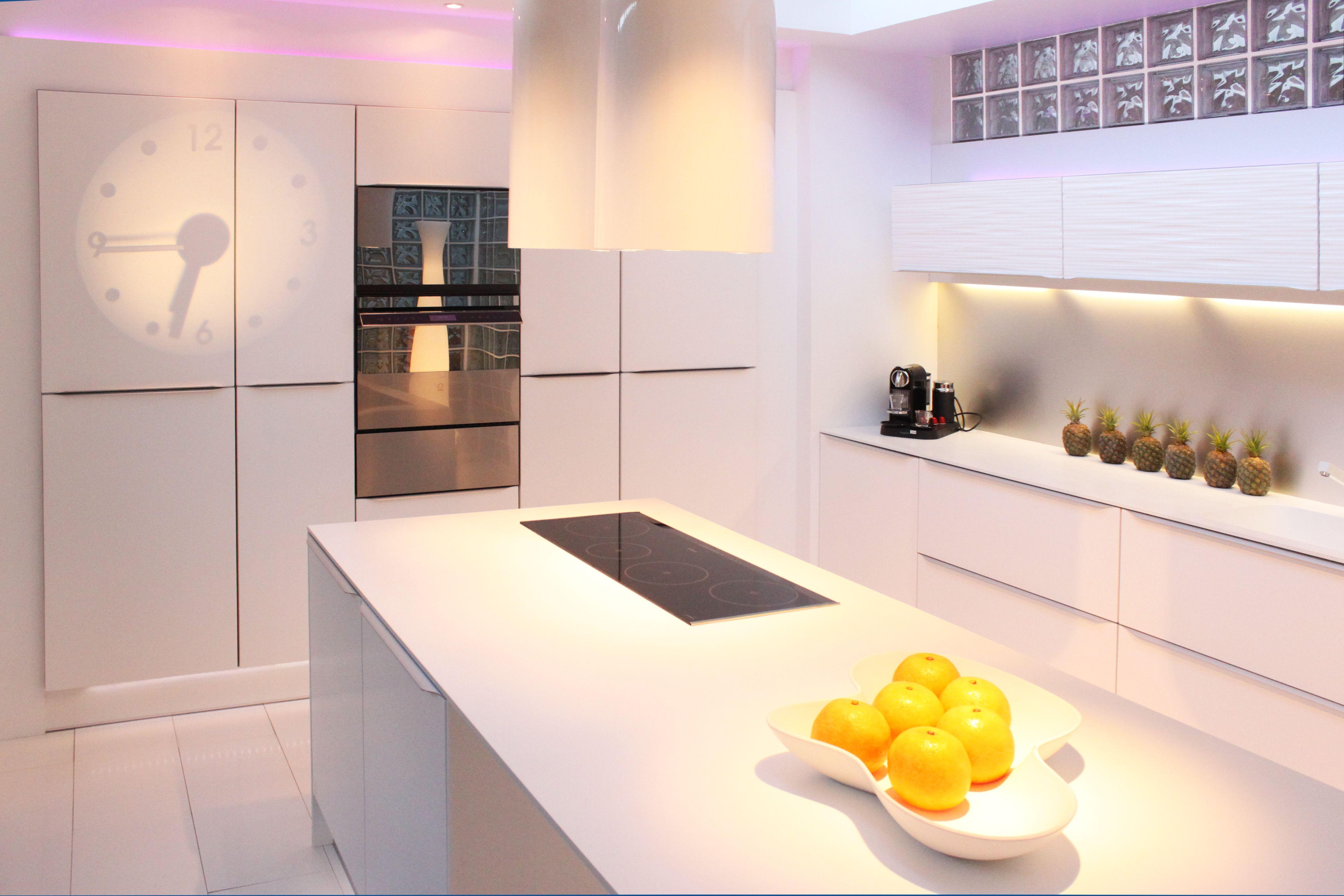 Cuisine fabrimeuble laqu e blanc mat plateau corian cuisine pinterest fabricant cuisine - Cuisine blanc mat ...