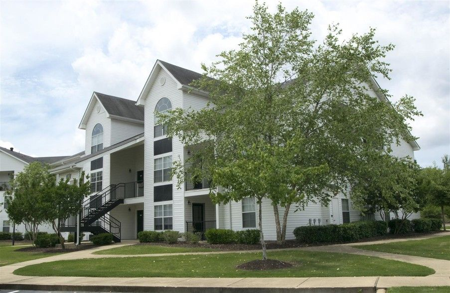 See All Available Apartments For Rent At Houston Levee Apartments In Cordova Tn Houston Levee Apartments Has Rental Units Apartment Apartments For Rent Levee