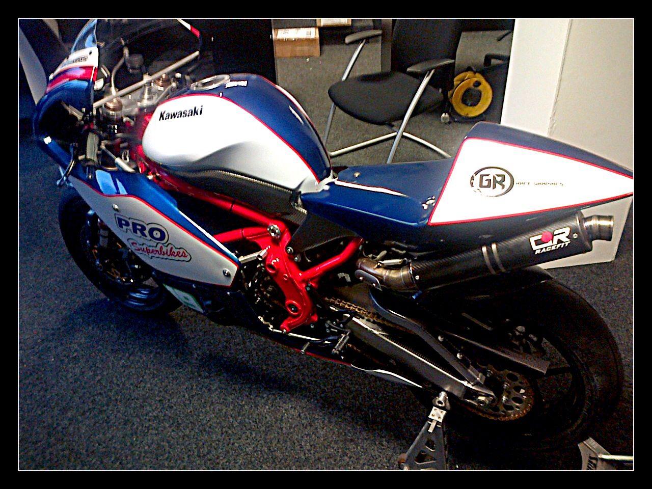 Kawasaki Er6 Supertwin Race Bike Graphics For Local Chesterfield