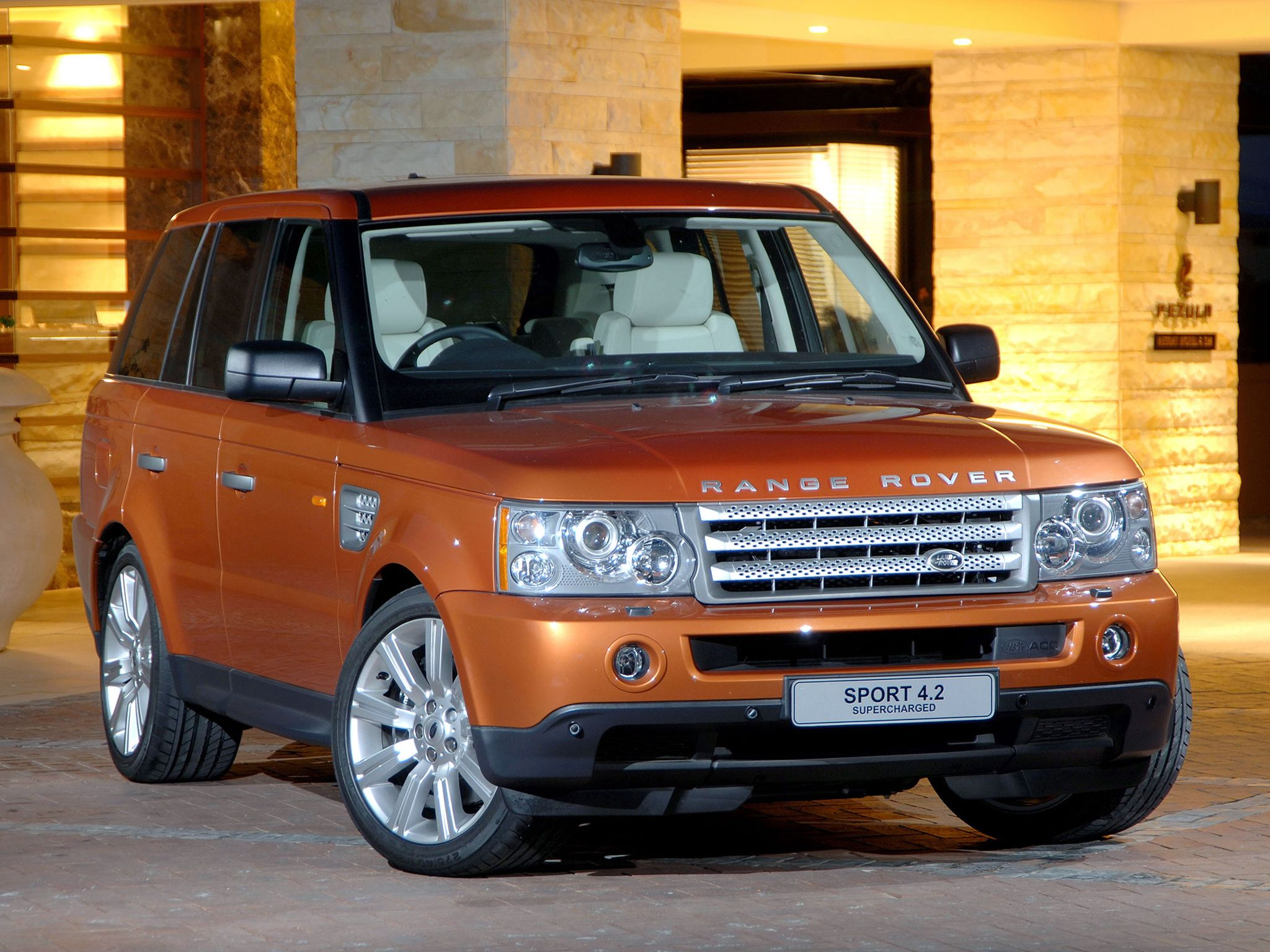 Land Rover Range Rover Sport Supercharged. Orange is my
