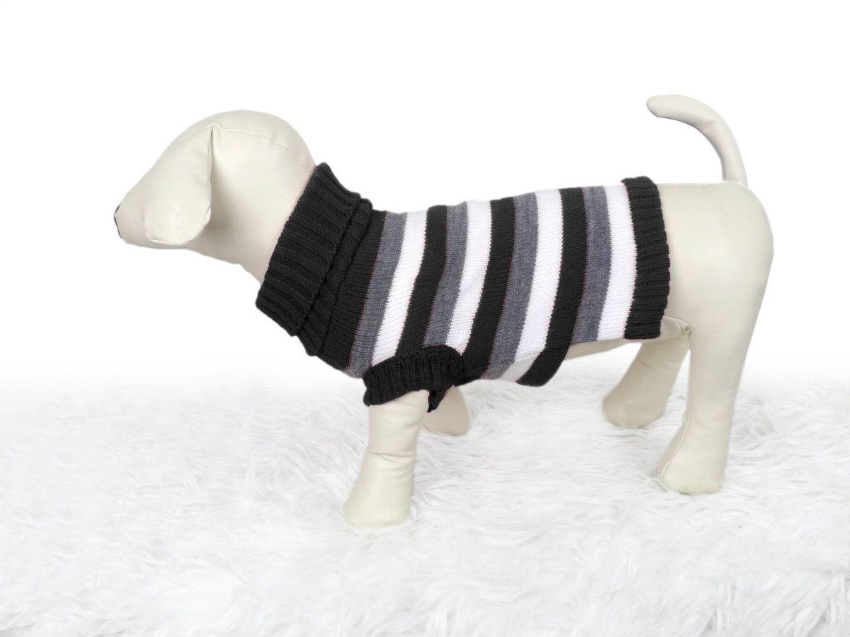 Chompa de lana con cuello alto. Clásico diseño a rayas en colores ...