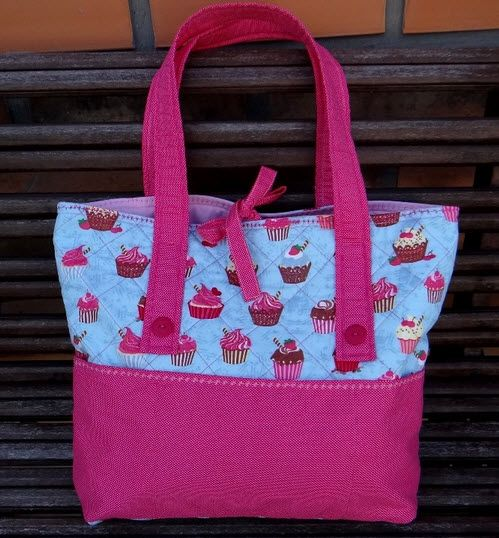 tote bag or purse with cupcake print fabric Bolsa Tecido Passo A Passo 2ea20b3742b