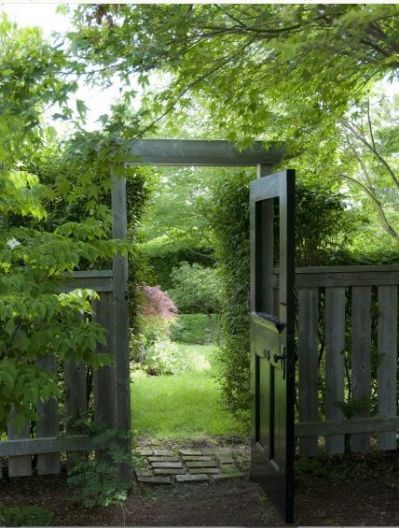 old doors front doors old screen puerta jardin Pinterest Front