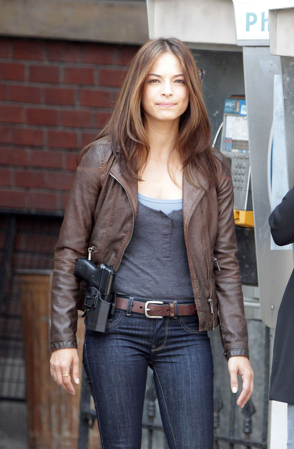 kristin kreuk parents