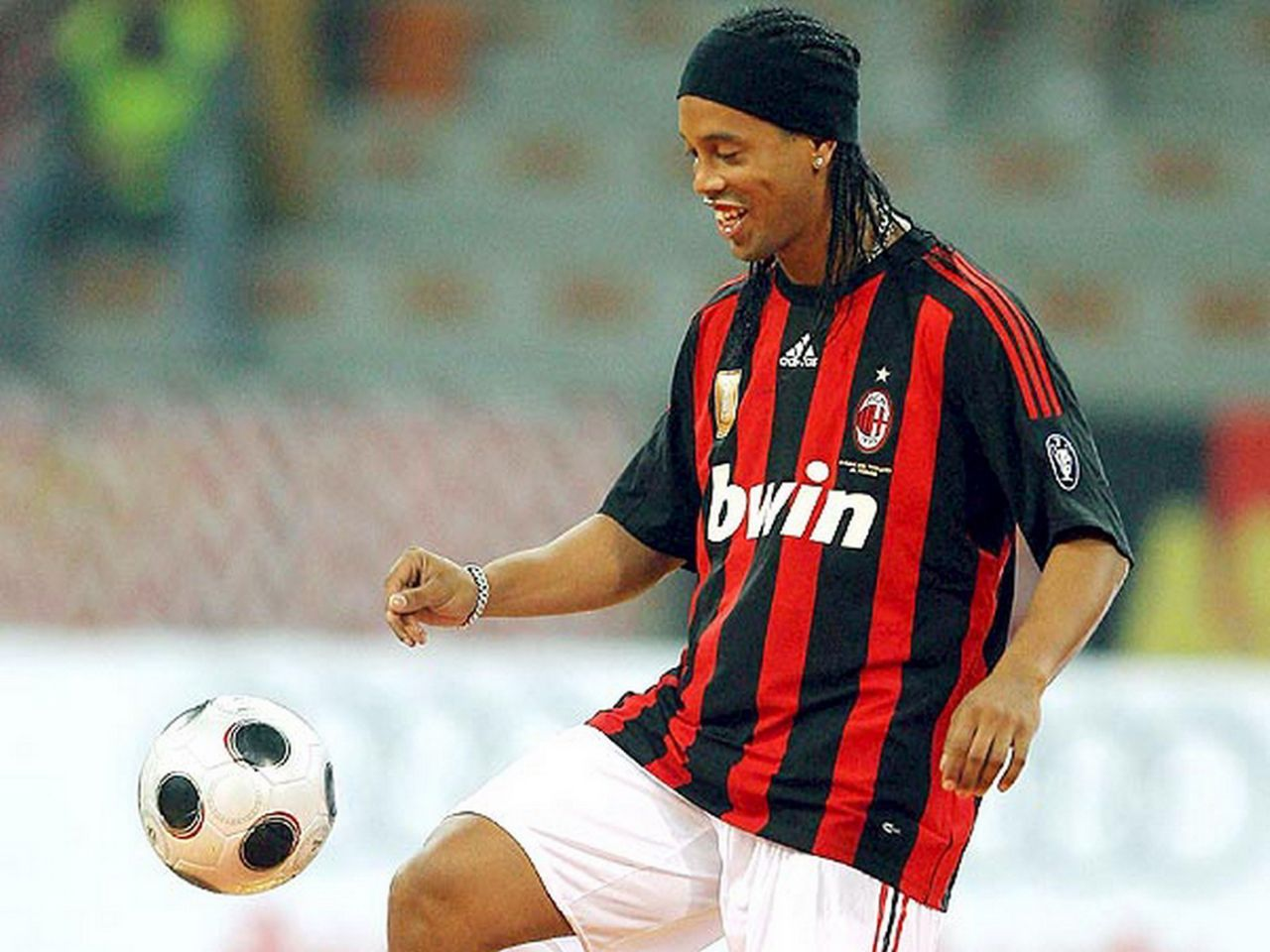 Index of var albums SoccerPlayers RonaldinhoGaucho 1024