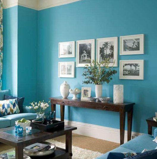 El celeste es un color que puede ir bien en las salas de for Todo sobre decoracion de interiores