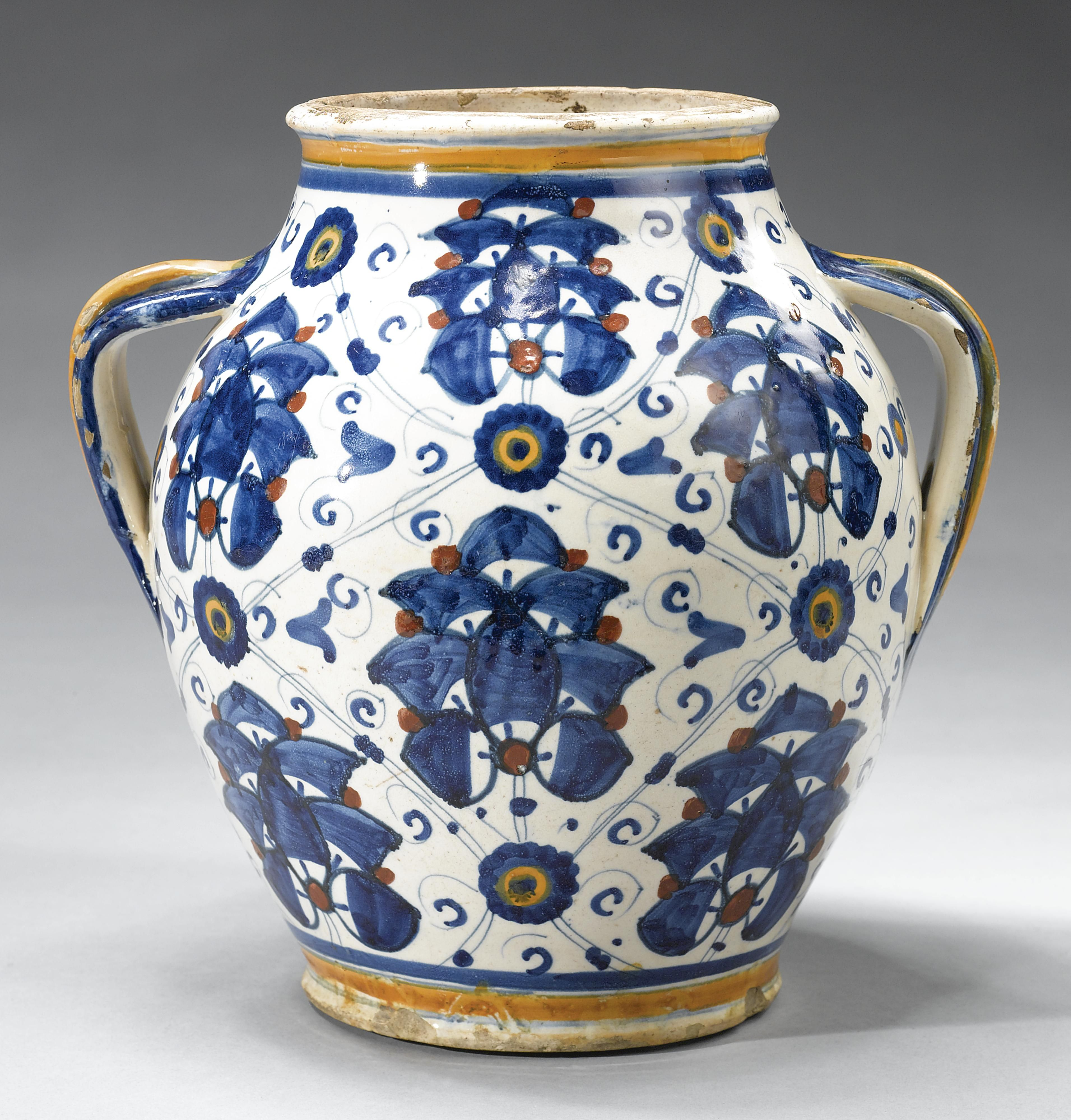 Medieval and Later Italian Pottery in the Ashmolean Museum Italian Maiolica and Europe